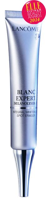 <strong> 3.Blanc Expert Melanolyser III Specialist Spot Eraser - LANCÔME </strong> <br /> Tinh chất mới từ Lancôme là một công thức đột phá góp phần cải thiện toàn diện 5 vấn đề về đốm nâu được đánh giá cao bởi các chuyên gia và phụ nữ đã sử dụng sản phẩm: đốm nâu mờ đi rõ nét, làn da trông đều màu và trắng sáng tinh khiết. Hiệu quả được duy trì lâu dài, ngay cả trên những đốm nâu khó cải thiện.