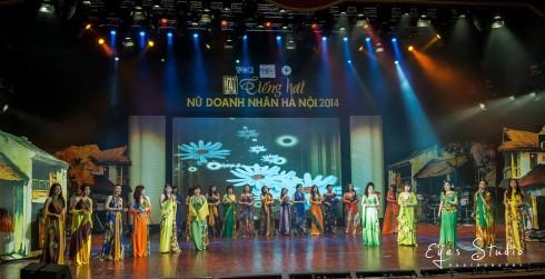 Các thí sinh trong ca khúc màn kết Những bông hoa trong vườn Bác của Văn Dung