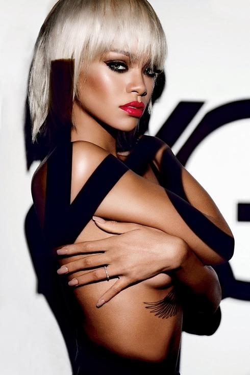 Song Ngư (19/2 - 20/3) Đầu tháng, bạn sẽ có rất nhiều lý do để ăn mừng. Cuối tháng, Song Ngư vẫn cảm thấy chút cô đơn trong trái tim nhưng những kế hoạch được thực hiện trơn tru sẽ sớm đẩy tâm trạng bạn trở về trạng thái hân hoan. <br /> Sao cung Song Ngư: Rihanna.