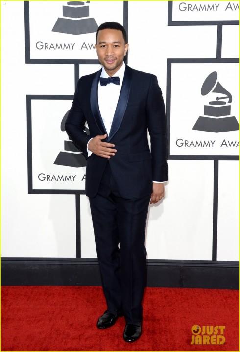 7. Grammy Awards 2014: Không thể nói gì hơn về bộ tuxedo Gucci hoàn hảo của John Legend: đơn giản mà hấp dẫn!