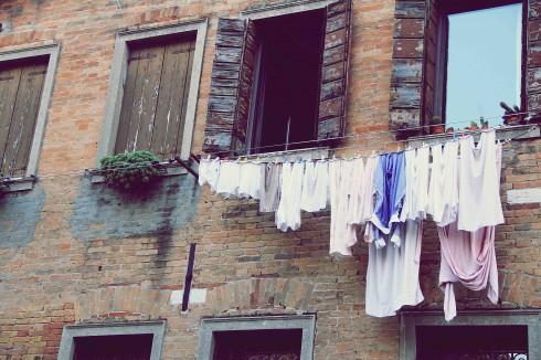 Những hình ảnh này sẽ khiến bạn phân biệt được rằng mình đang ở Ý chứ không phải ở Pháp.