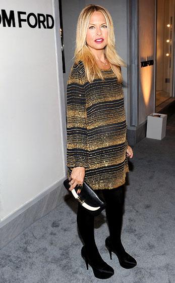 Stylist hàng đầu thế giới, Rachel Zoe, cũng là tín đồ của giày cao gót. Có lẽ ăn mặc đẹp cũng là một cách giảm stress khi mang thai của Rachel.