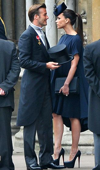 Victoria Beckham mang đôi Christian Louboutin 15cm để cùng chồng đến tham dự lễ cưới Hoàng tử William và công nương Kate Middleton khi đang mang thai 6 tháng.