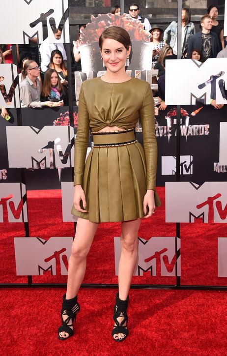Shailene Woodley trong trang phục da của Balmain.