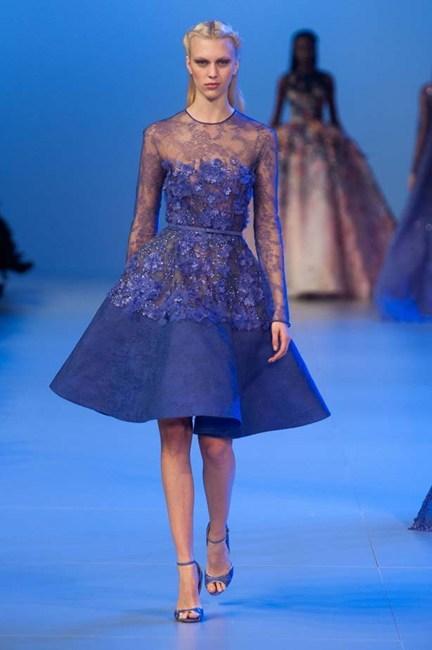 Sự kết hợp tuyệt vời giữa ren, voan, hoa và đá màu của  Elie Saab Haute Couture.
