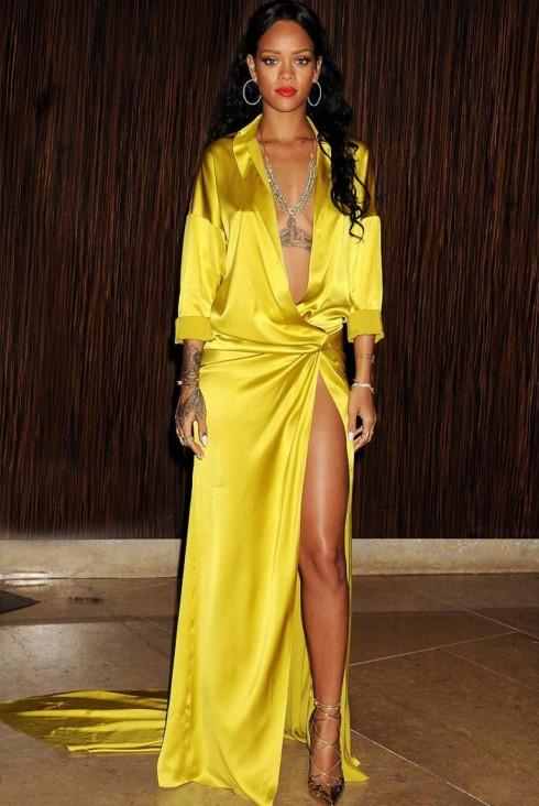 Rihanna diện chiếc đầm của Alexandre Vauthier Couture trong bữa tiệc tiền Grammy năm 2014.
