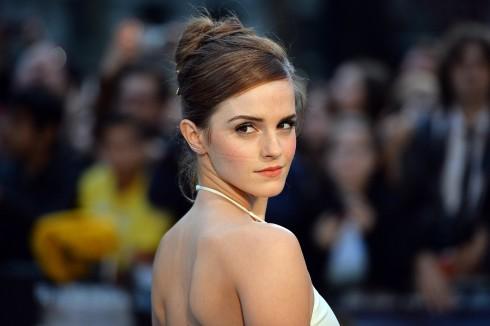 Emma Watson xuất hiện trong buổi quảng bá phim Noah tại Anh.