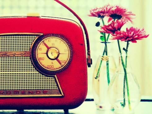 ellevn-bang-cassette-radio-niem-vui-tuoi-tho-feat