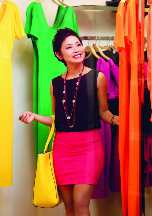 Áo Mango, Váy Charlotte Russe, Túi xách Céline, Dây chuyền Accessorize