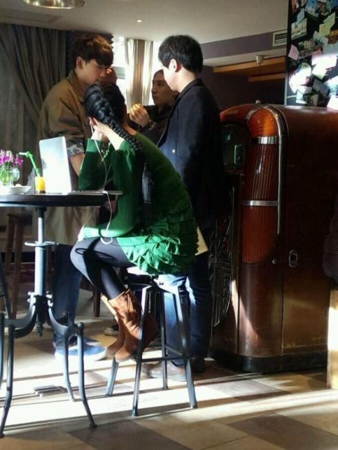 Cảnh quay đầu tiên của Lưu Diệc Phi và Bi Rain tại một quán cafe.