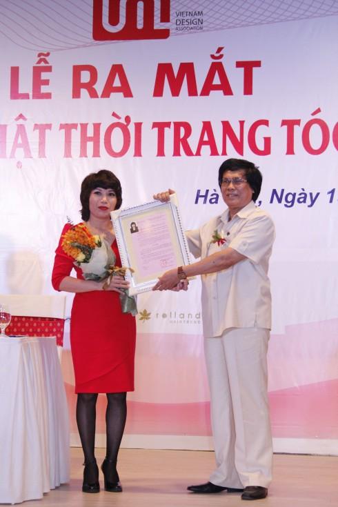 Ba Bui Dieu Thuan - Vien Truong