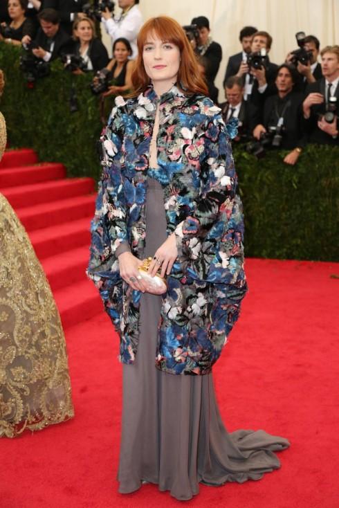 Florence Welch chọn thiết kế của Valentino.