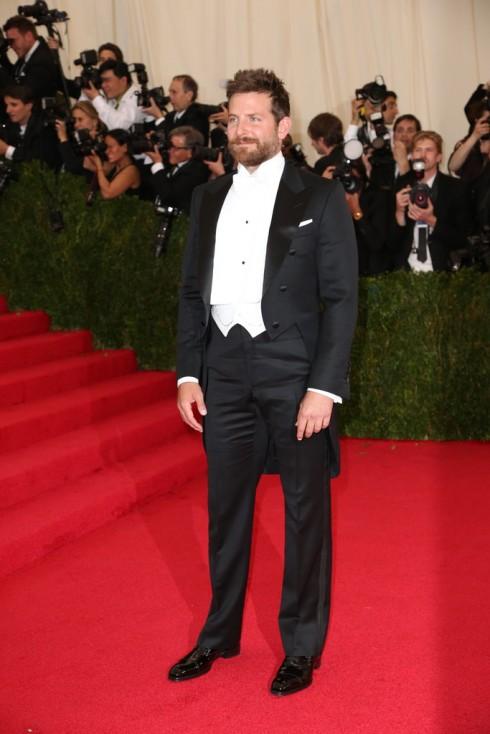 Bradley Cooper trong trang phục Tom Ford.