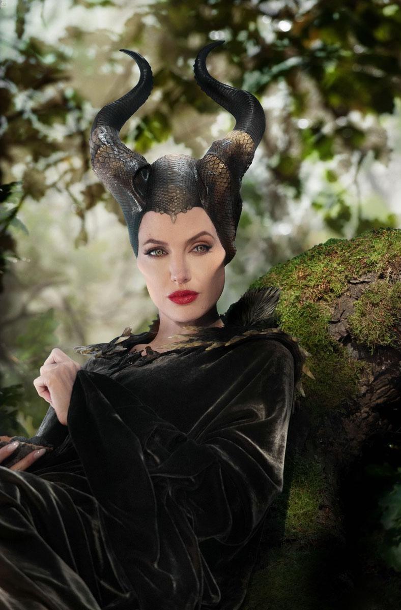 Angelina Jolie: Phù thủy cổ tích