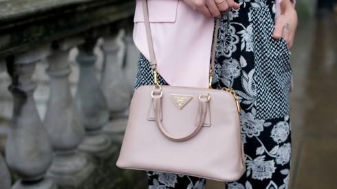 Một chiếc túi Prada