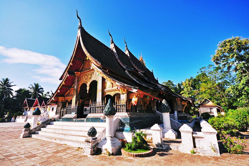 Luang Prabang: Thành phố linh thiêng của những ngôi chùa vàng