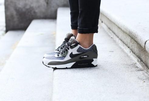 Đôi giày sẽ mang đến cho bạn phong cách thể thao mà không cần diện quần áo thể thao