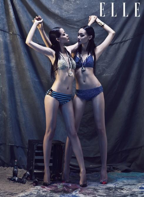 Thùy Trang: Bikini LNKK, Giày Christian Louboutin, Vòng cổ, vòng tay, nhẫn Gallery Vivekkevin. Hoàng Oanh: Bikini Tumi House, Giày Christian Louboutin, Vòng cổ Gallery Vivekkevin