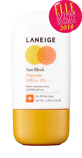 <strong>6. LANEIGE Sun Block Supreme SPF50+/PA+++</strong><br/>Kem chống nắng thích hợp với những hoạt động ngoài trời, bảo vệ làn da của bạn một cách tối ưu trước tác động bất lợi của các tia UV nhờ chỉ số chống nắng SPF50+/PA+++. Kem có kết cấu nhẹ nhàng, tươi mát, không gây nhờn rít cho da với thành phần chứa nước khoáng và chiết xuất từ 6 loại thảo mộc: hoa oải hương, hoa cúc La Mã, cỏ chanh roi ngựa, lô hội, rau má, rễ cây hoa thục quỳ. Công thức không trôi bởi mồ hôi và nước.