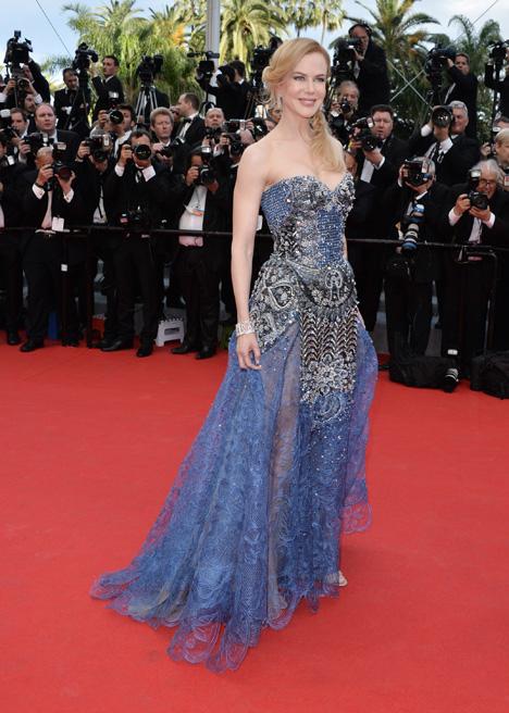 Nicole Kidman trong thiết kế Armani Prive