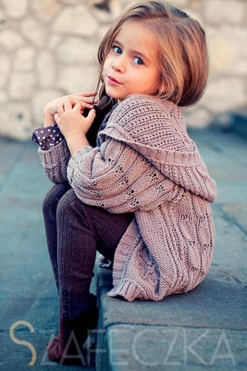 Và dĩ nhiên, cô bé là một người mẫu cực kì tự nhiên trước ống kính!