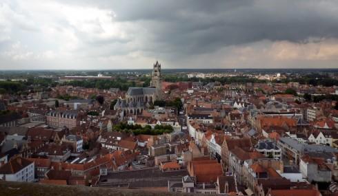 Toàn cảnh phố cổ nhìn từ đỉnh tháp chuông Belfort