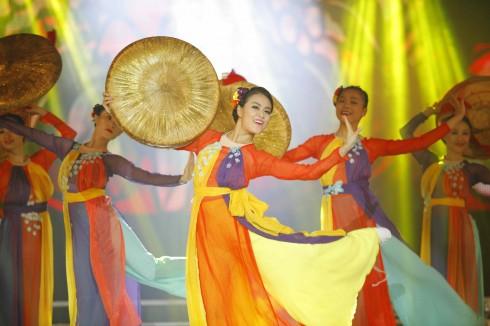 Múa- Hoang Thuy Linh - Thoáng xuân (5)