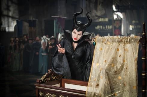Angelina Jolie đã trở thành tâm điểm thu hút khán giả tới rạp để thưởng thức bộ phim Maleficent.