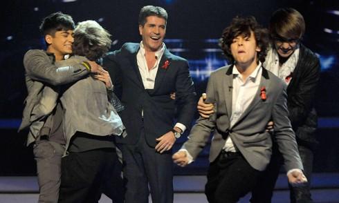 Simon Cowell ảnh hưởng rất lớn đến thành công của One Direction.