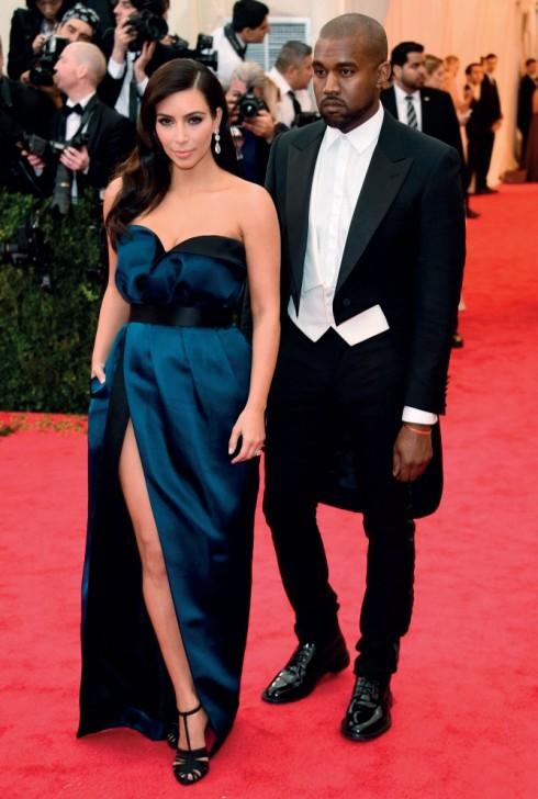 Cặp đôi sắp cưới Kim Kardashian và Kanye West cùng chọn trang phục Lanvin.