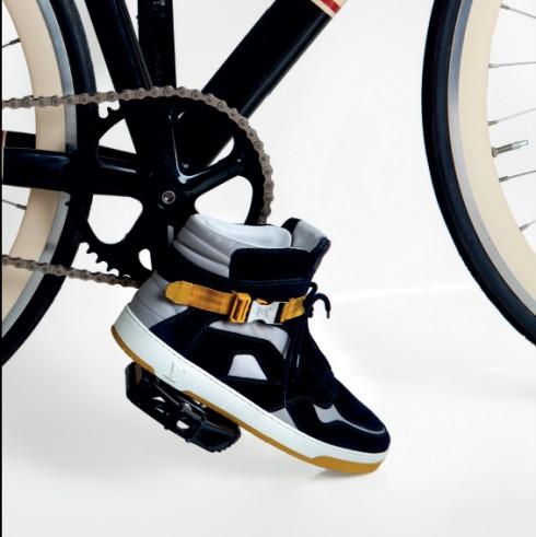 Sneaker cao cổ Louis Vuitton