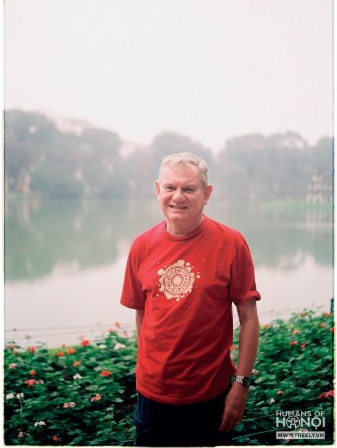 """""""Năm nào tôi cũng đến Việt Nam du lịch 2 lần vào tháng 4 và tháng 10. Thực ra chẳng có lý do gì to lớn cả, đơn giản chỉ vì tôi yêu Hà Nội thôi!""""."""