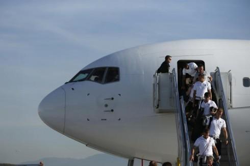 Đội tuyển Anh trong đồng phục áo thun polo trắng.