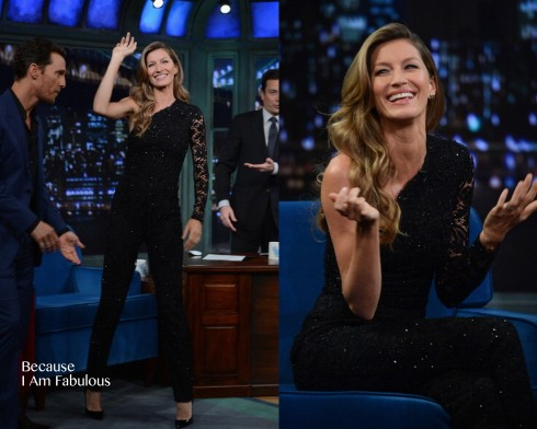 2014: Xuất hiện lần đầu tiên trong show truyền hình nổi tiếng 'Late Night with Jimmy Fallon', Gisele chọn cho mình bộ jumpsuit lệt vai bằng ren hiệu Emillio Pucci.