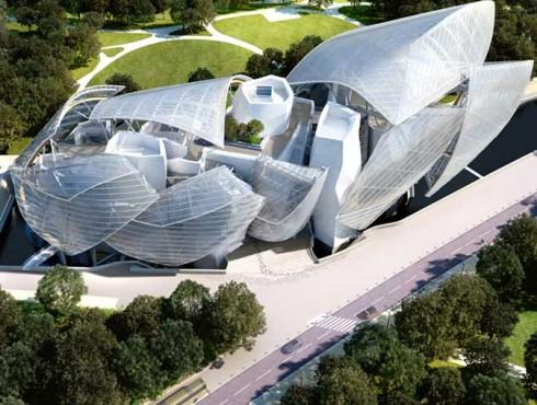Khối kiến trúc được bao bọc bởi những tấm kính theo thiết kế lớp cánh cong