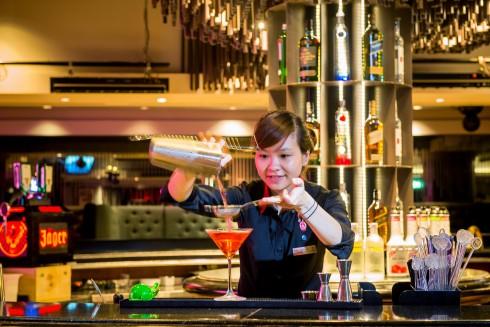 bar Deja Vu Sheraton Hanoi (1)
