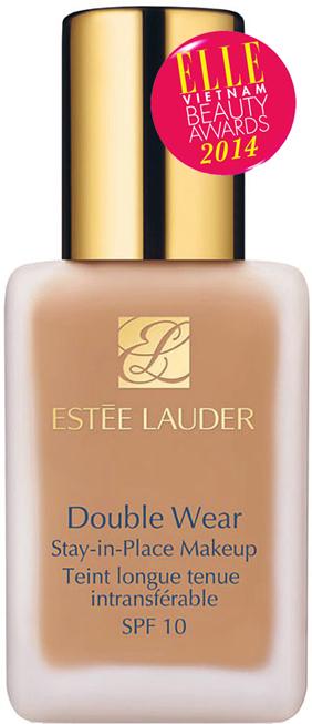 <strong>5. ESTÉE LAUDER Double Wear Stay-In-Place Makeup </strong><br/>Kem trang điểm lâu trôi, duy trì vẻ tuyệt vời và cảm giác thoải mái đến 15 giờ. Có khả chống lại độ ẩm và mồ hôi, không bị phai nhòe và dính trên quần áo, đem lại làn da mềm mại láng mịn một cách tự nhiên. Phù hợp với tất cả loại da, không chứa dầu và có chỉ số chống nắng SPF 10. 1.050.000 VNĐ/30ml