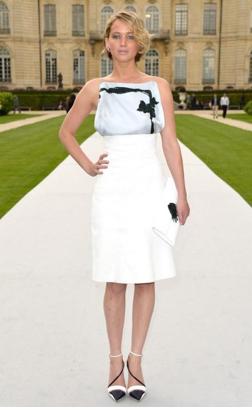 Jennifer Lawrence trong buổi giới thiệu BST Dior.