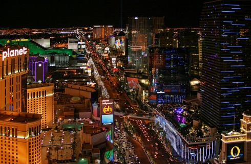 800px-Las_Vegas_Strip_at_night,_2012