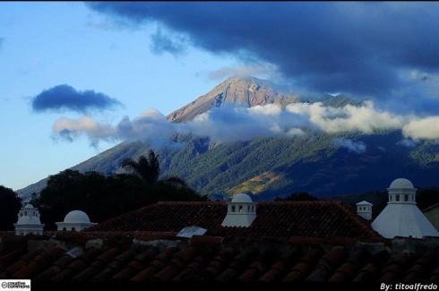 volcán-de-agua-guardianes-de-la-ciudad-antigua-guatemala_Around