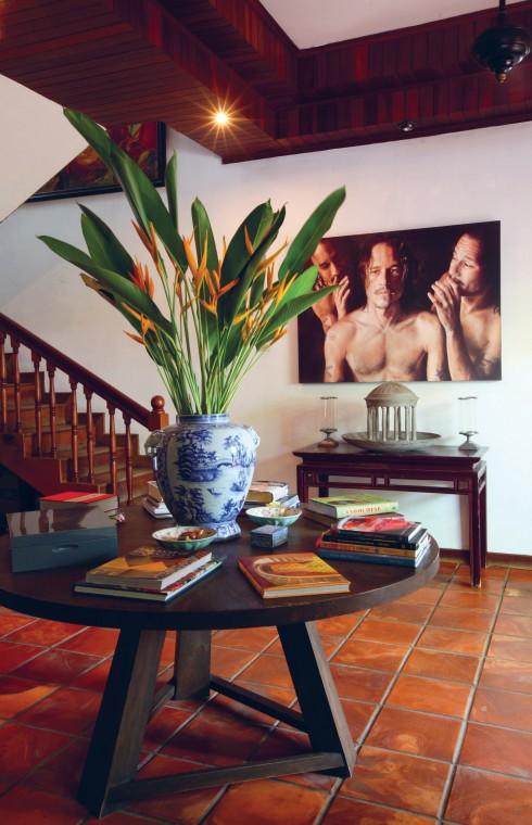 Gỗ cũng được sử dụng để ốp trần, tạo điểm nhấn cá tính riêng cho căn nhà