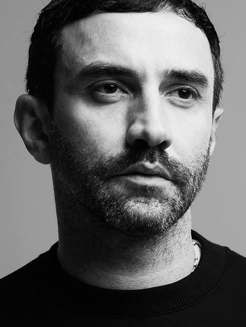 Riccardo Tisci: 'Givenchy từng là hãng không có bản sắc'