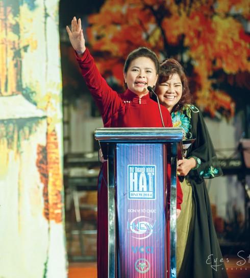 Bà Đoàn Thị Hữu Nghị - Trưởng ban tổ chức cuộc thi công bố giải đêm chung kết