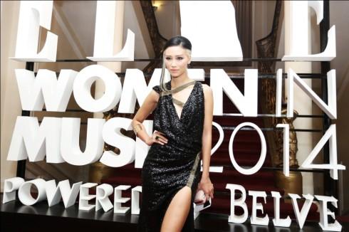 Người mẫu Trang Khiếu gây bất ngờ với hình ảnh đầy cá tính