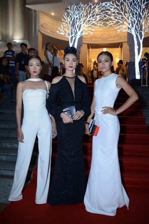Người mẫu Nhã Trúc, Thùy Trang và Mâu Thanh Thủy