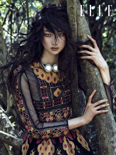 Đầm Valentino, Vòng cổ Chanel