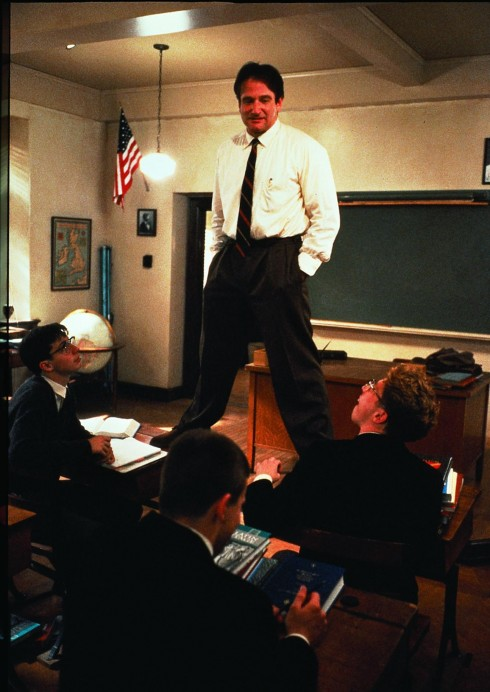 Robin Williams trong bộ phim Dead Poets Society (1989)