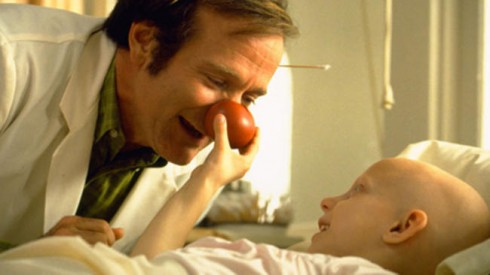 Robin Williams trong phim Patch Adams (1998).