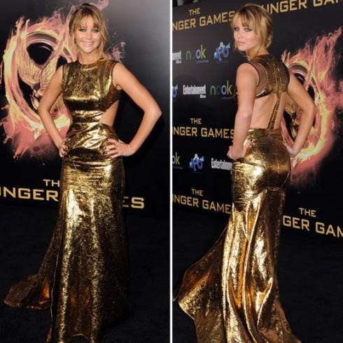 2012: Jennifer Lawrence diện thiết kế thuộc bộ sưu tập mùa thu 2012 của Prabal Gurung trong buổi ra mắt phim The Hunger Games.