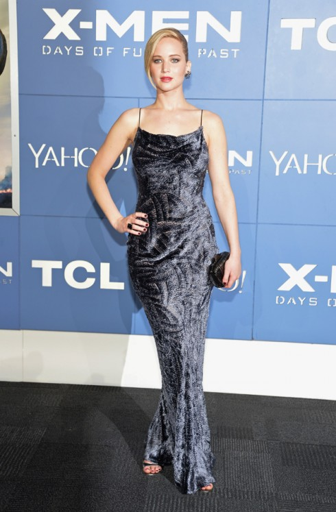 2014: Jennifer Lawrence trong chiếc đầm ôm dài bằng nhung hiệu Jason Wu trong buổi ra mắt phim X-Men: Days of Future Past.